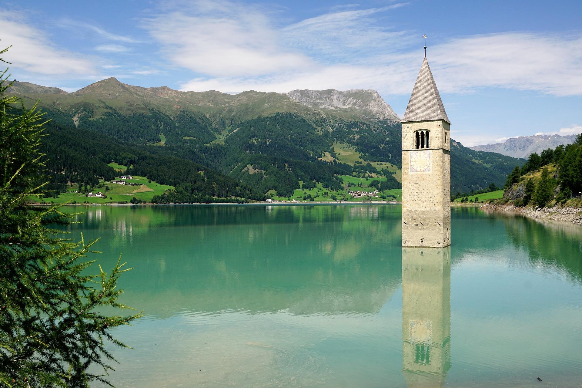 Italien: Wanderung um den Reschensee